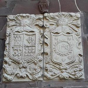 Escudo iglesia Tresabuela